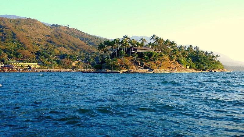 Conheca a Ilha das Cabras em Ilhabela