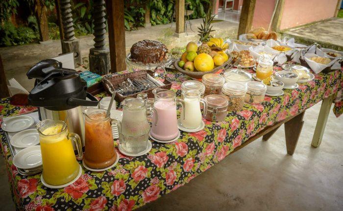 Velinn Caravela Pousada Bromelias Café da Manhã 3