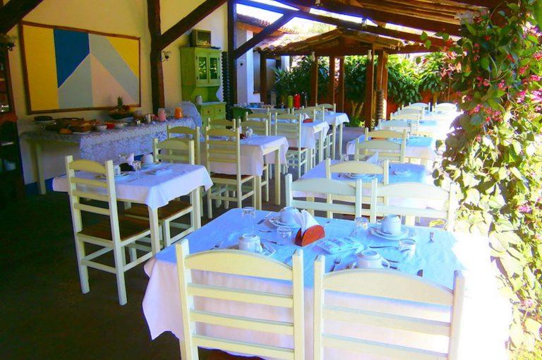 Velinn Caravela Pousada Bromelias Café da manhã 2