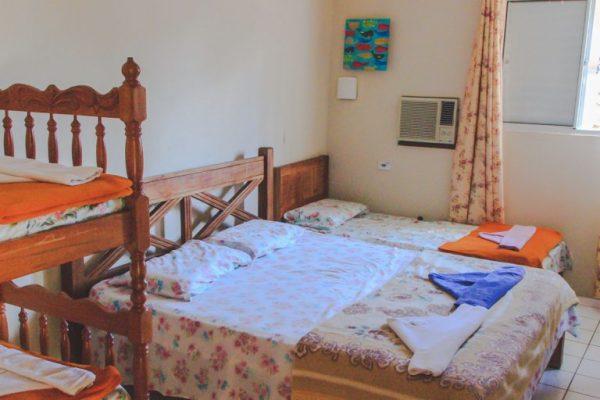 Velinn HPJ Ilhabela Hostel quarto Familia 10 768x512 1