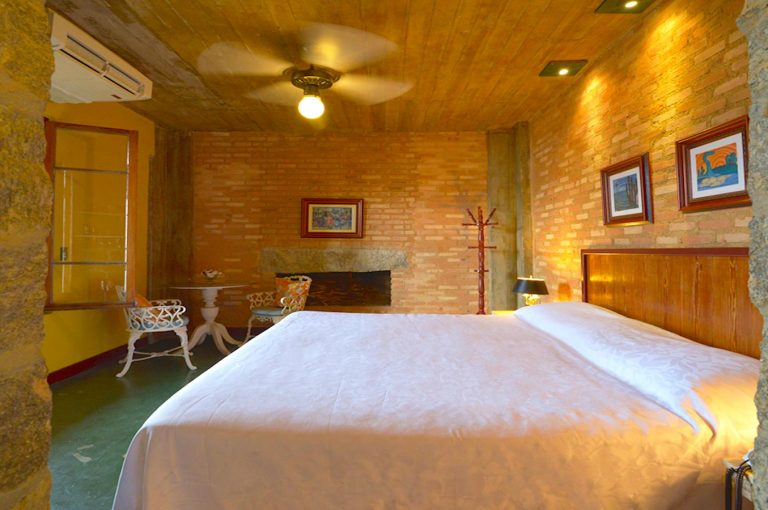 Velinn Hotel Maison Joly Quarto Luxo 14 2