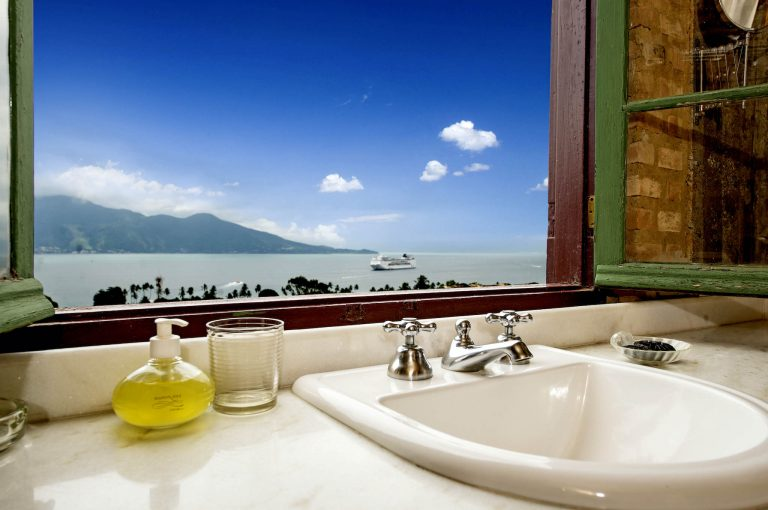 Velinn Hotel Maison Joly Quarto Luxo 14 Banheiro 1