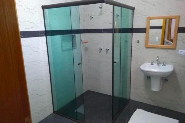 Velinn Pousada Guarubela Veloso 238816745 Banheiro