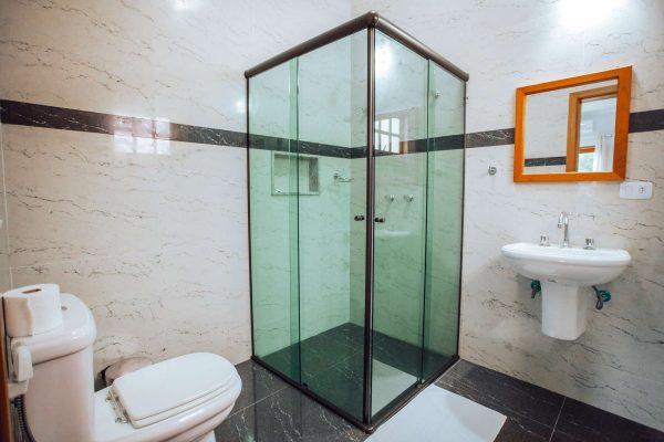 Velinn Pousada Guarubela Veloso Quarto Banheiro 3