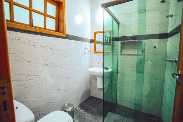 Velinn Pousada Guarubela Veloso Quarto Banheiro 5
