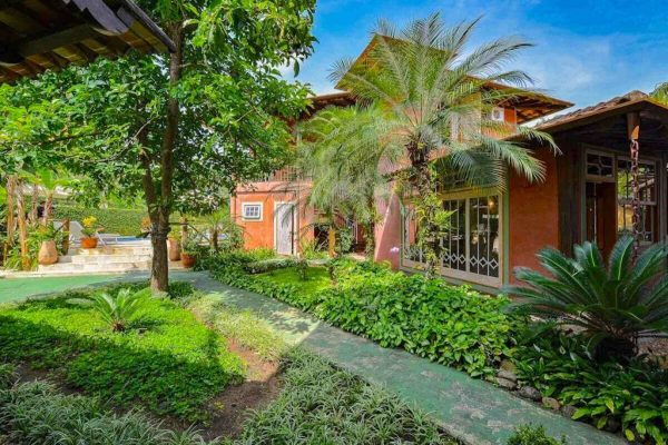 Velinn Pousada Villa Caiçara jardim