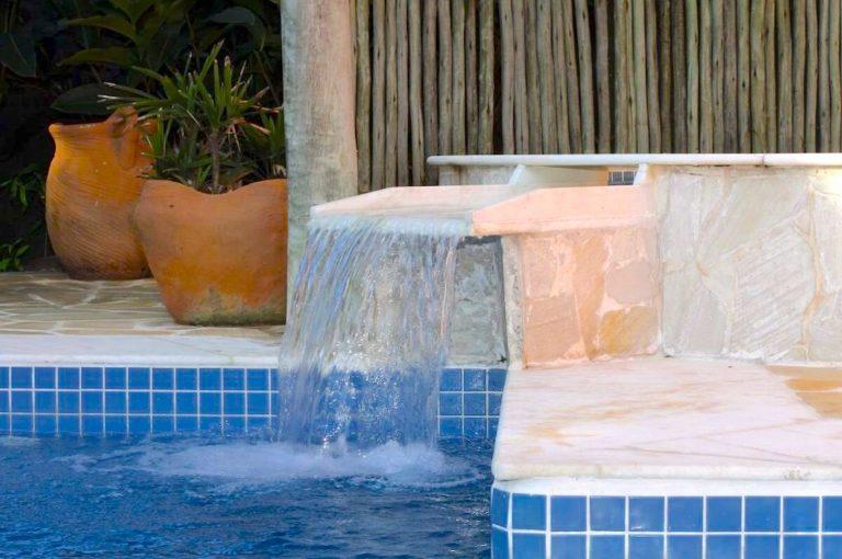 Velinn Pousada Villa Caiçara piscina 2 1024x683 1