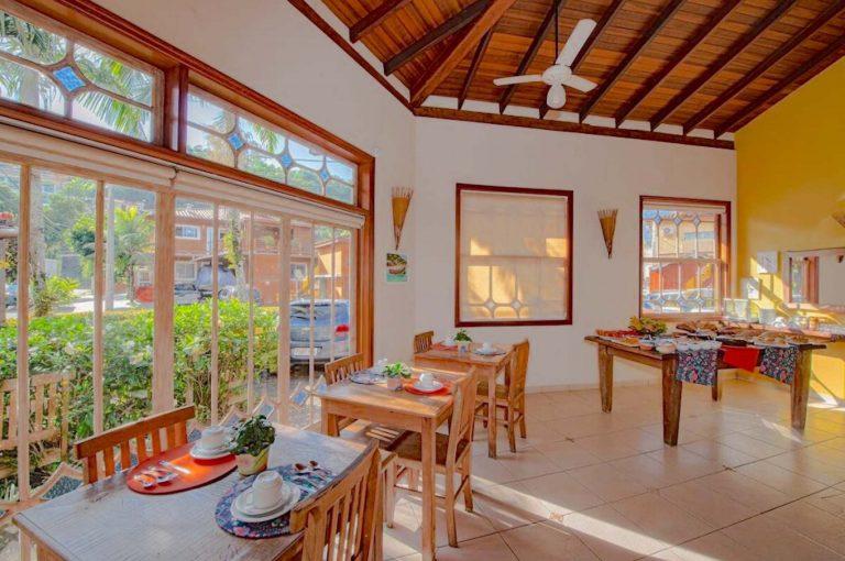 Velinn Pousada Villa Caiçara salao cafe da manha 1