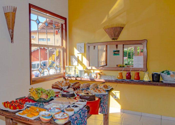 Velinn Pousada Villa Caiçara salao cafe da manha 2 1024x683 1