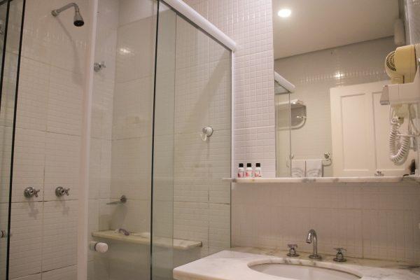 Velinn Pousada dos Hisbiscos Quarto Standard banho 2