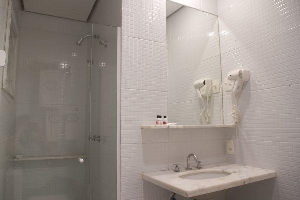 Velinn Pousada dos Hisbiscos Quarto Standard banho 4
