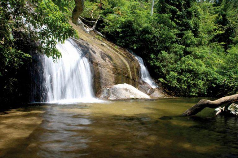 cachoeira dos tres tombos ilhabela guilherme andrade